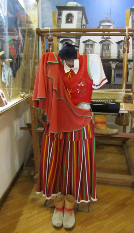 Traje tradicional madeirense