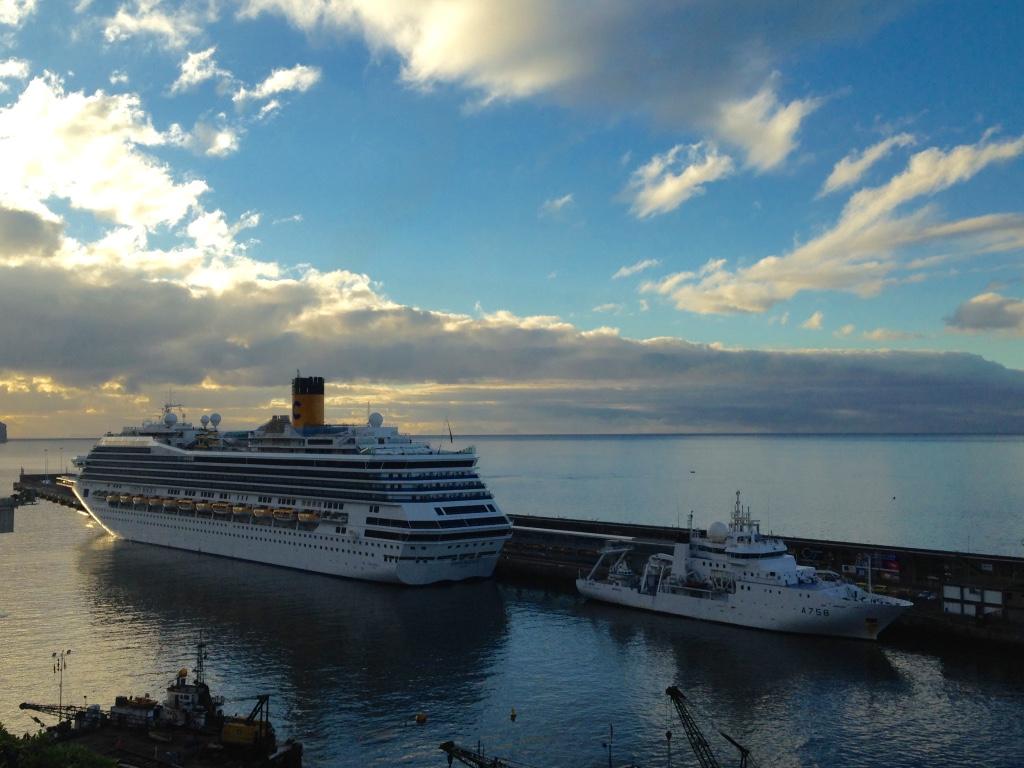 Crucero en el puerto de Funchal